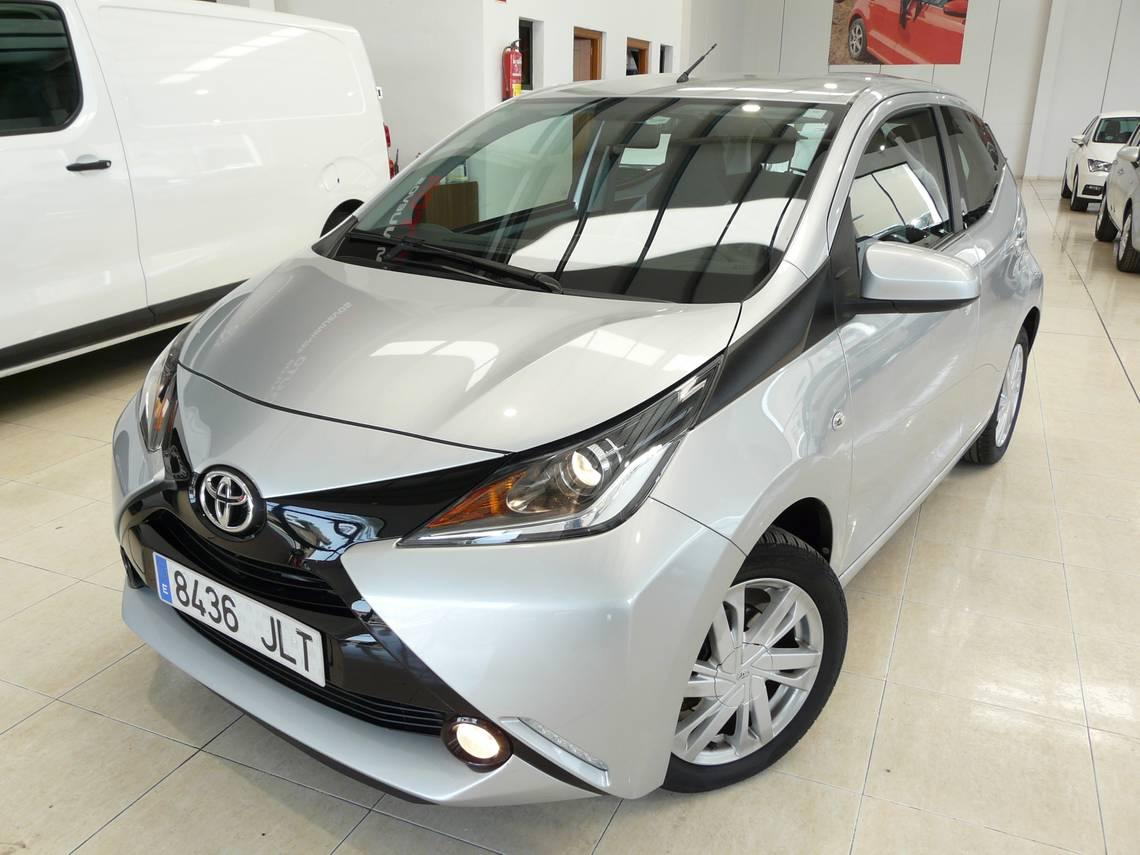 Toyota Aygo ocasión segunda mano 2016 Gasolina por 7.199€ en Málaga