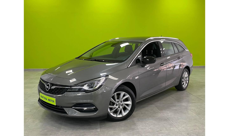 Opel Astra ocasión segunda mano 2020 Gasolina por 17.900€ en Málaga